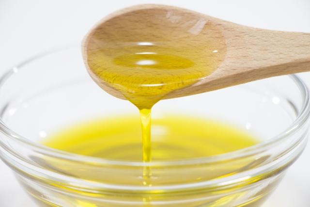 体にいい油はどんどん摂れと言われても、やっぱりカロリーが気になる